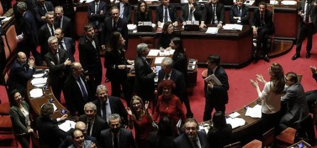 Il parlamento è finito di Enzo Acerenza Scarica qui file pdf, Dopo le vicende delle votazioni per l'ultima legge finanziaria, una cosa è chiara: la forma parlamentare del potere della...